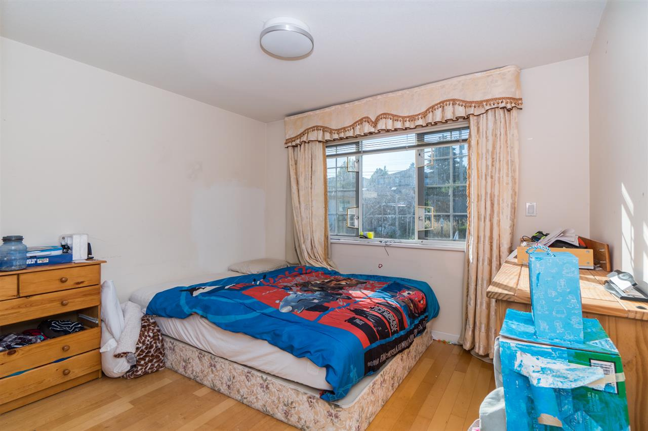 Detached at 2387 BONACCORD DRIVE, Vancouver East, British Columbia. Image 17