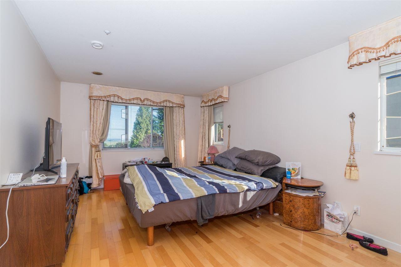 Detached at 2387 BONACCORD DRIVE, Vancouver East, British Columbia. Image 19