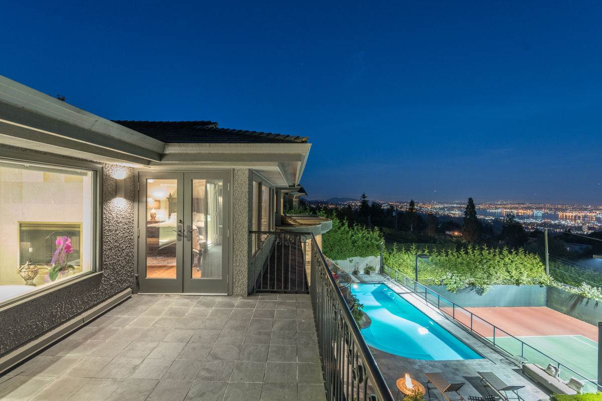 Detached at 1132 HILLSIDE ROAD, West Vancouver, British Columbia. Image 12