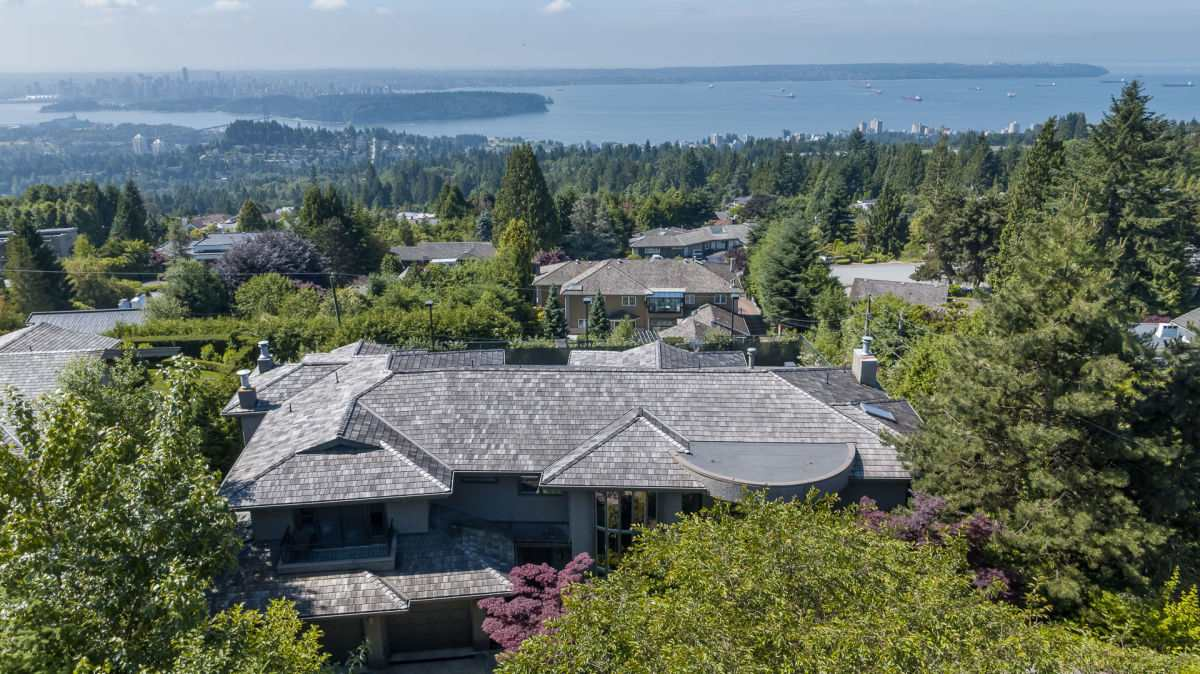 Detached at 1132 HILLSIDE ROAD, West Vancouver, British Columbia. Image 18