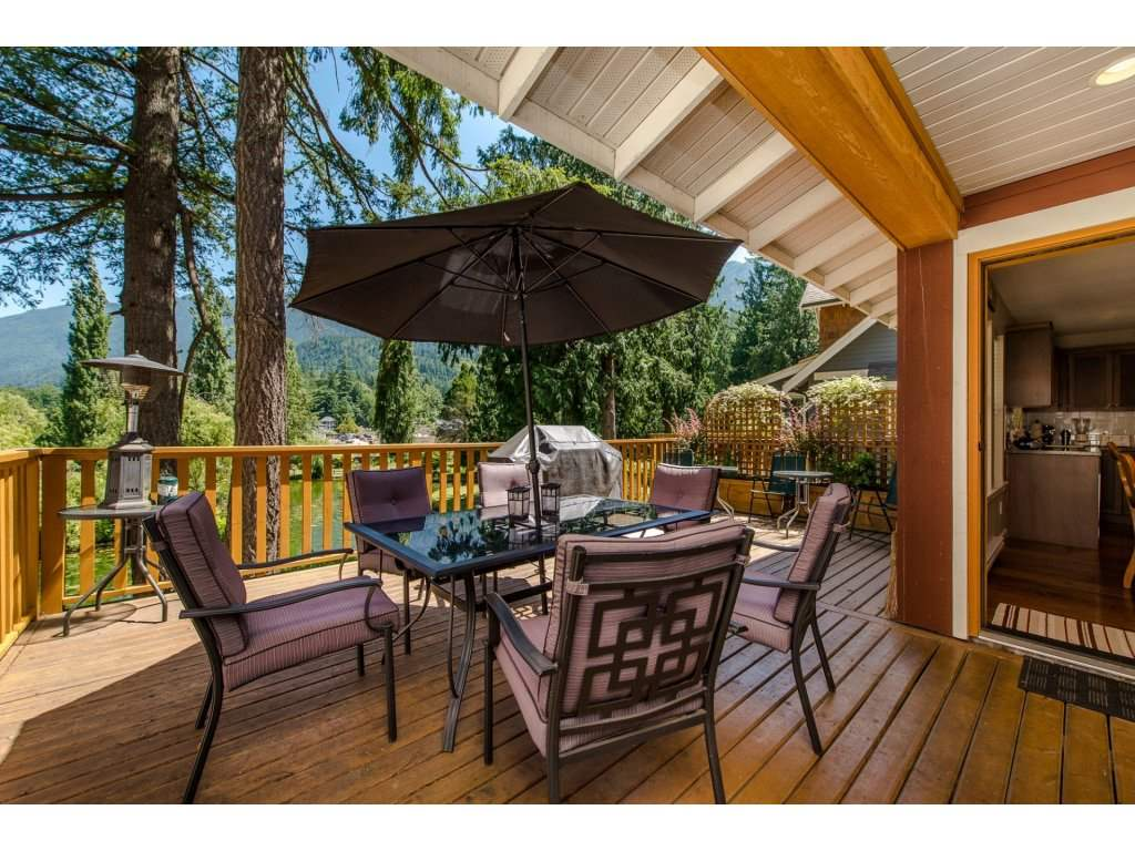 Detached at 1752 PAINTED WILLOW PLACE, Cultus Lake, British Columbia. Image 13