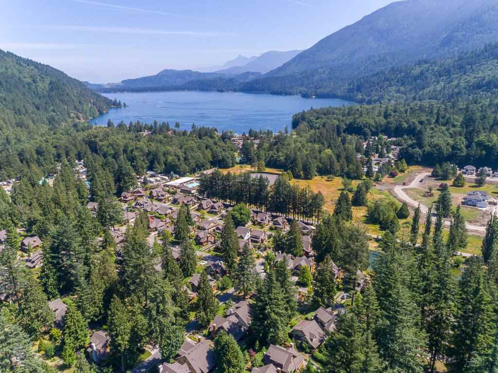 Detached at 1752 PAINTED WILLOW PLACE, Cultus Lake, British Columbia. Image 15