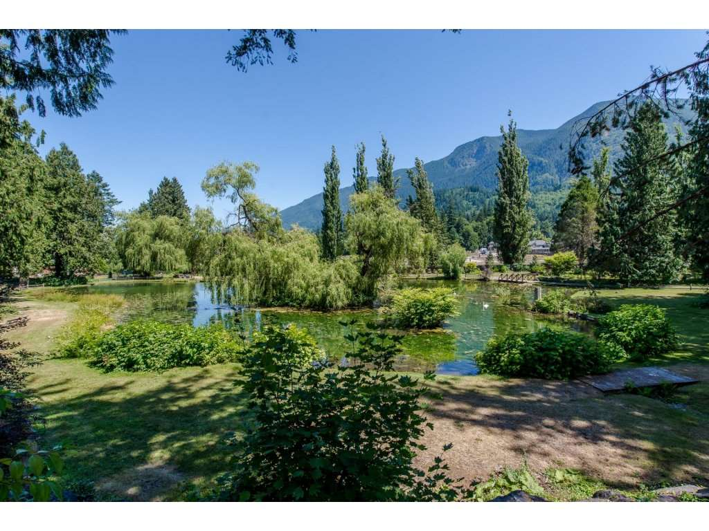 Detached at 1752 PAINTED WILLOW PLACE, Cultus Lake, British Columbia. Image 17