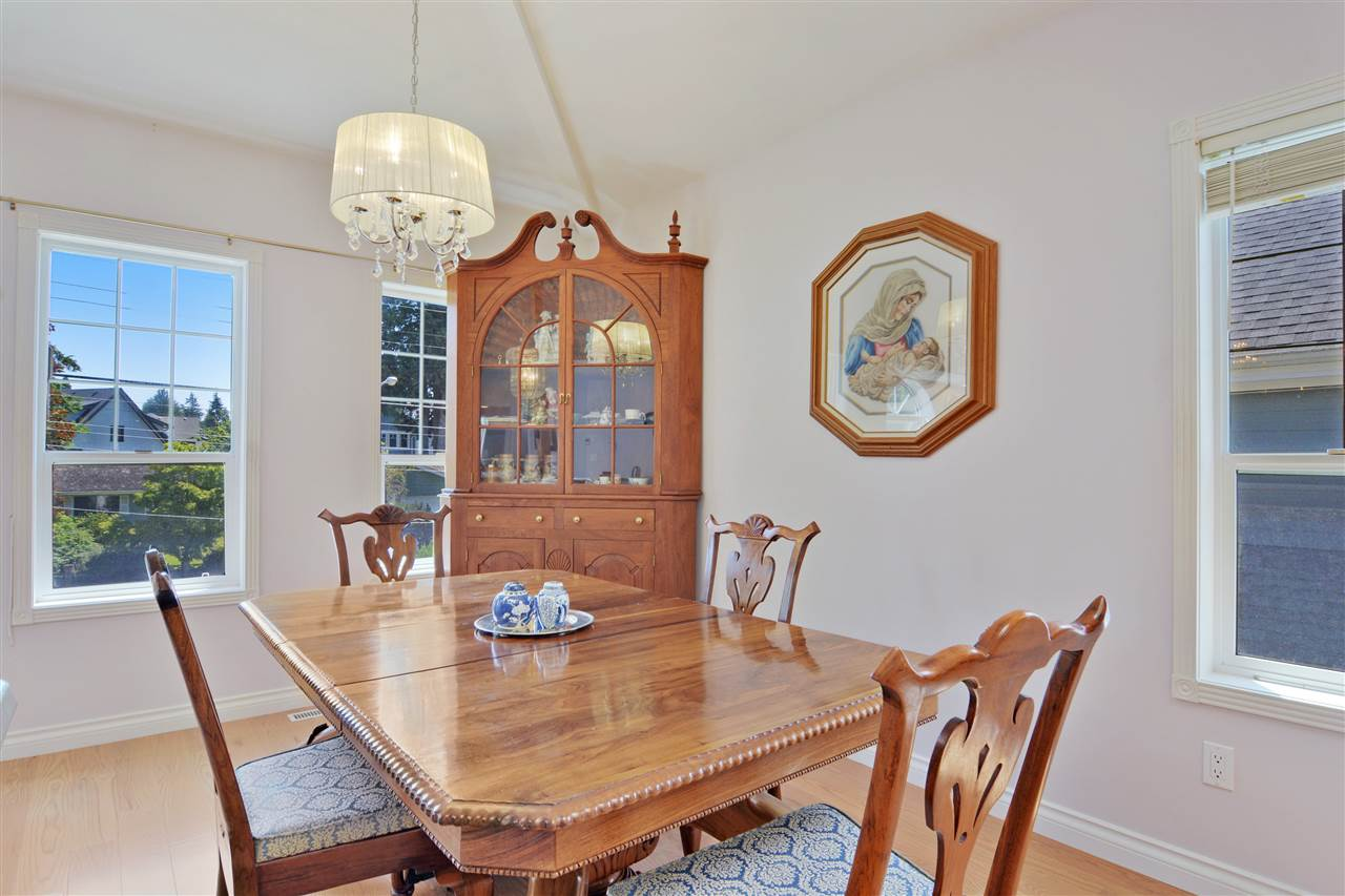 Detached at 1567 129TH STREET, South Surrey White Rock, British Columbia. Image 6