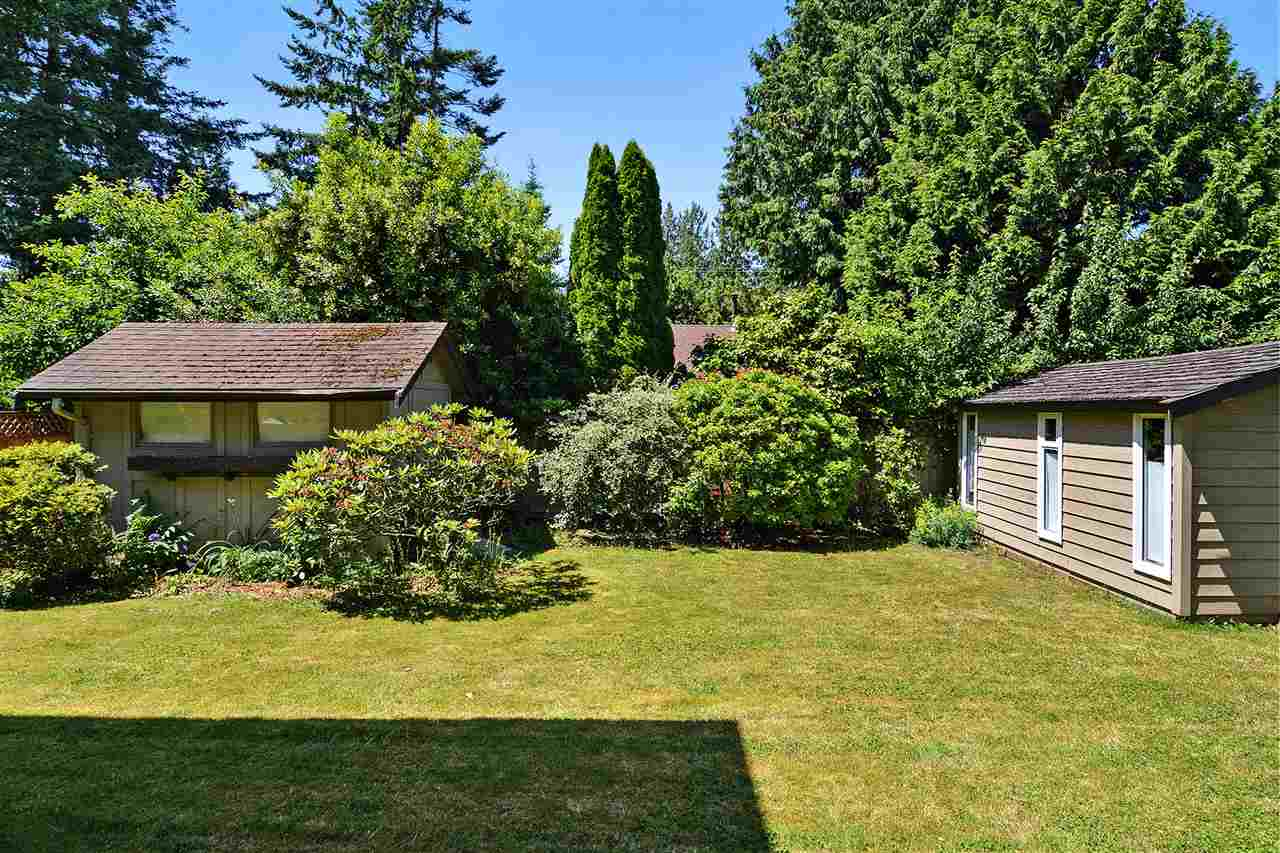 Detached at 1567 129TH STREET, South Surrey White Rock, British Columbia. Image 19