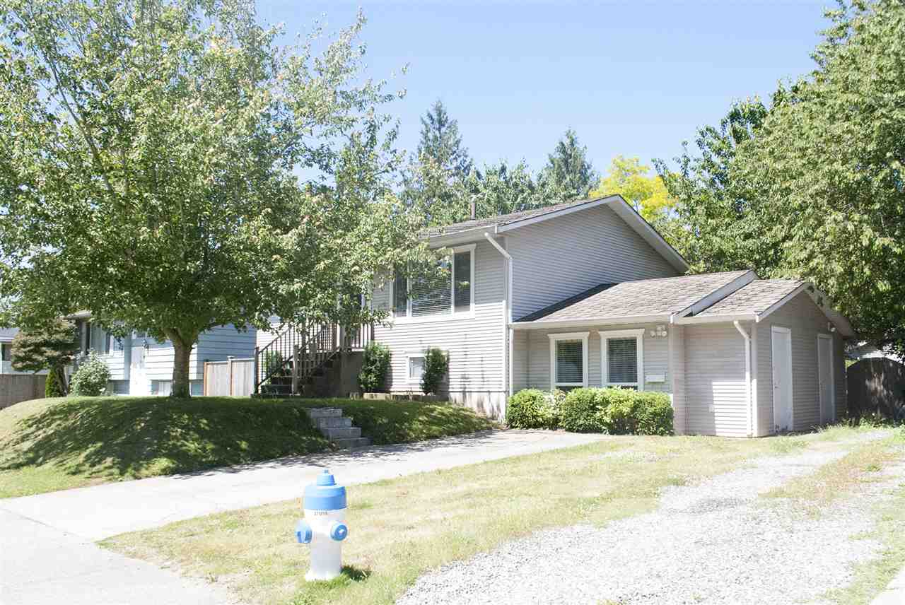 Detached at 34633 PEARL AVENUE, Abbotsford, British Columbia. Image 1