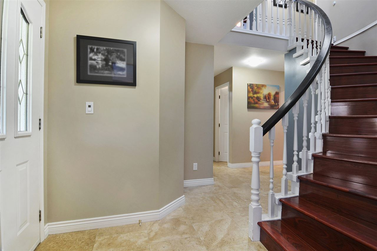 Detached at 21598 87 AVENUE, Langley, British Columbia. Image 3