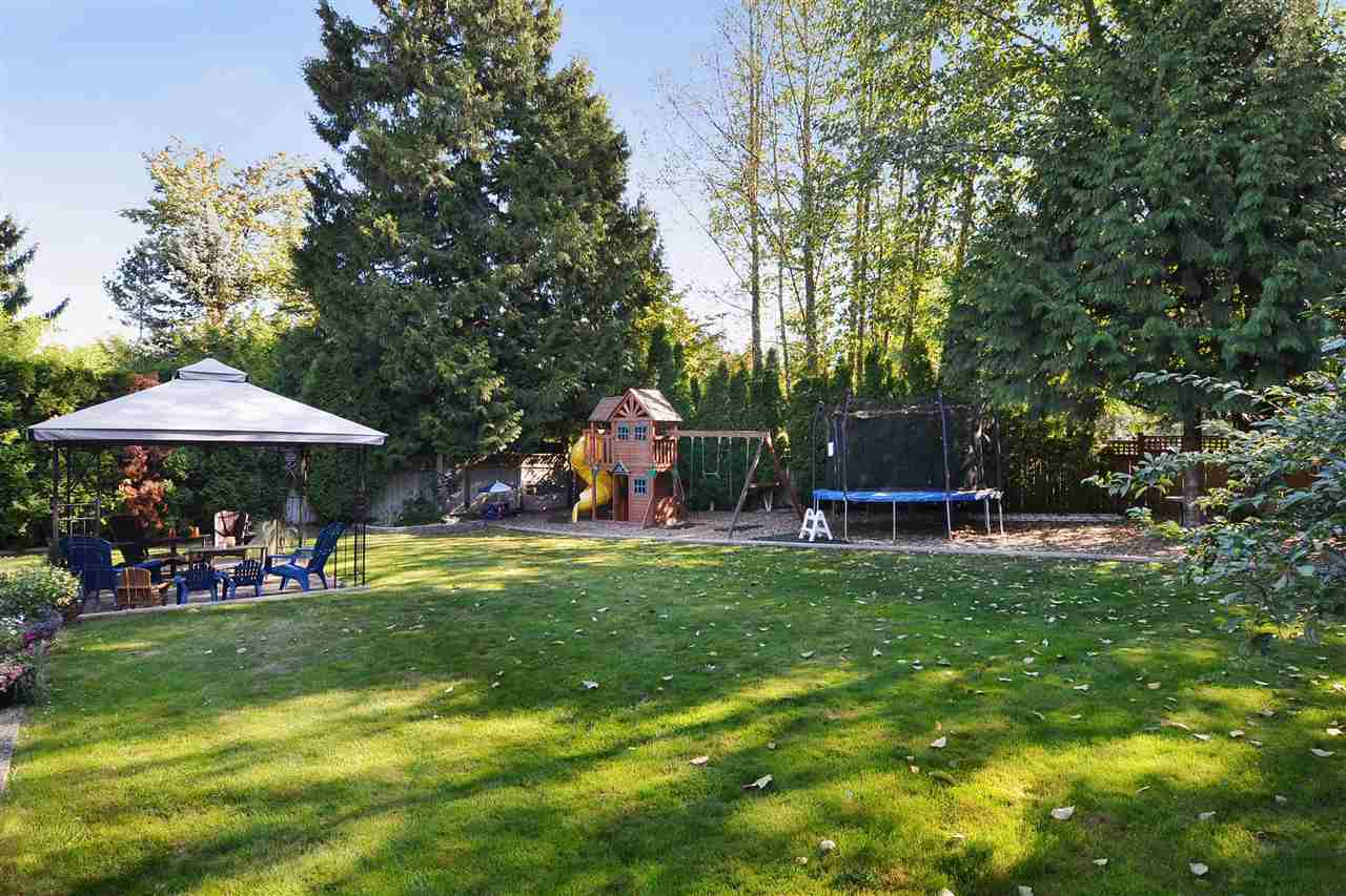 Detached at 21598 87 AVENUE, Langley, British Columbia. Image 17