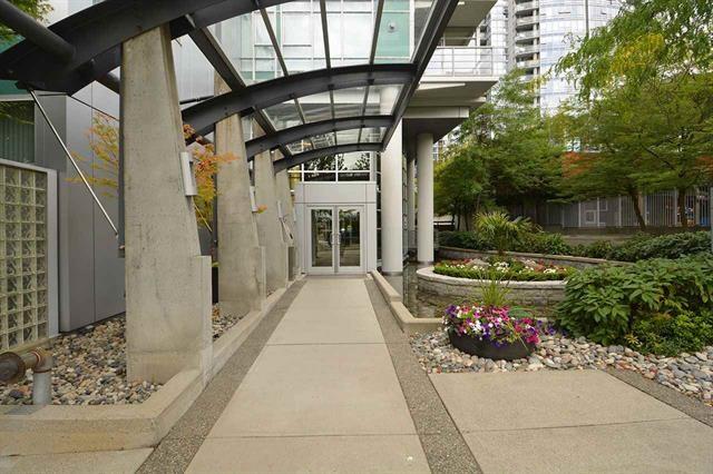 Condo Apartment at 2205 1483 HOMER STREET, Unit 2205, Vancouver West, British Columbia. Image 2