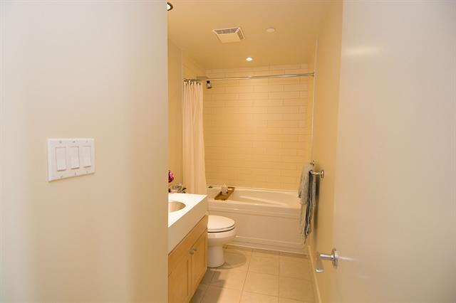 Condo Apartment at 2205 1483 HOMER STREET, Unit 2205, Vancouver West, British Columbia. Image 20
