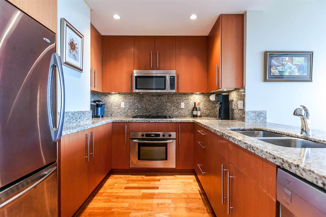 Condo Apartment at 903 2688 WEST MALL, Unit 903, Vancouver West, British Columbia. Image 3