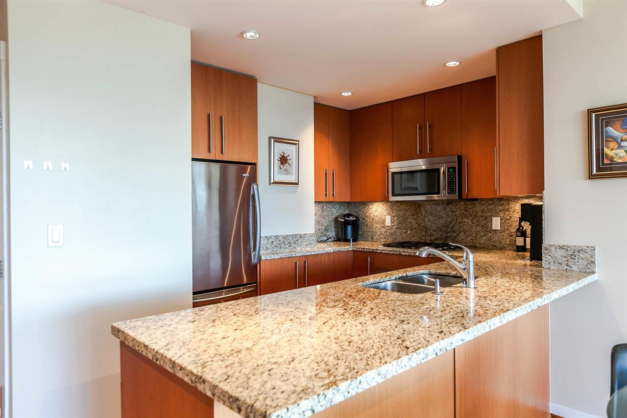 Condo Apartment at 903 2688 WEST MALL, Unit 903, Vancouver West, British Columbia. Image 4