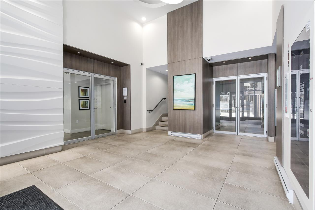 Condo Apartment at 605 13303 103A AVENUE, Unit 605, North Surrey, British Columbia. Image 2