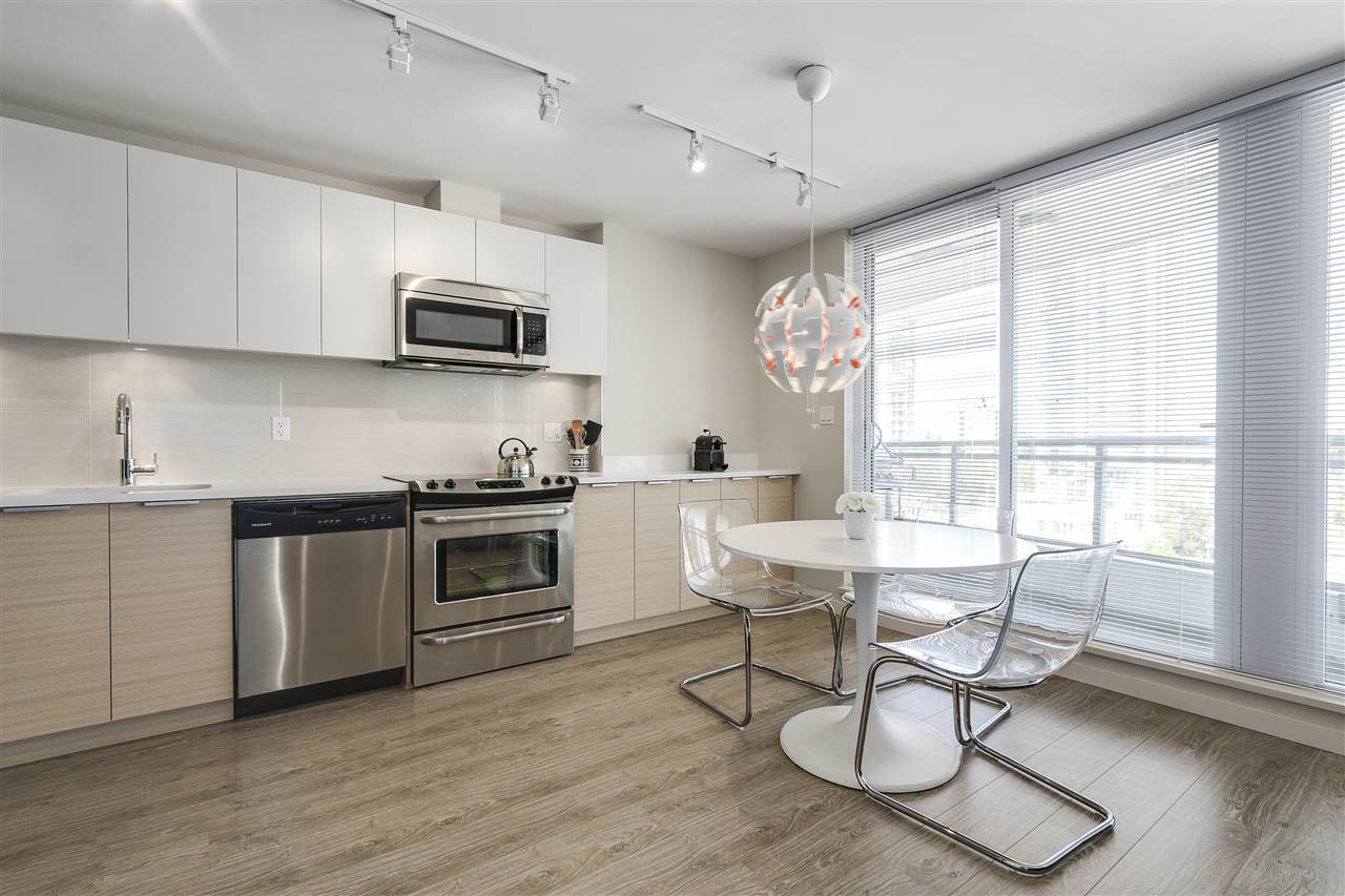 Condo Apartment at 605 13303 103A AVENUE, Unit 605, North Surrey, British Columbia. Image 5