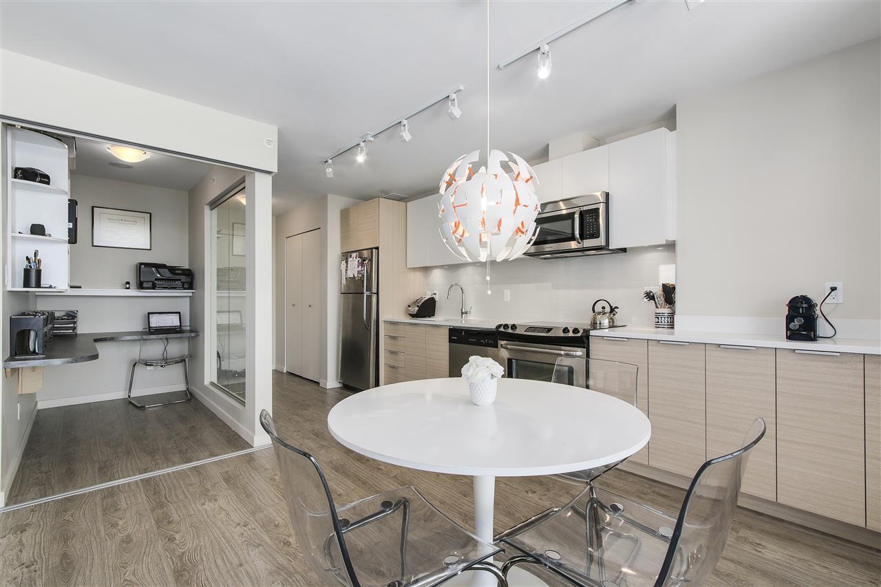 Condo Apartment at 605 13303 103A AVENUE, Unit 605, North Surrey, British Columbia. Image 8