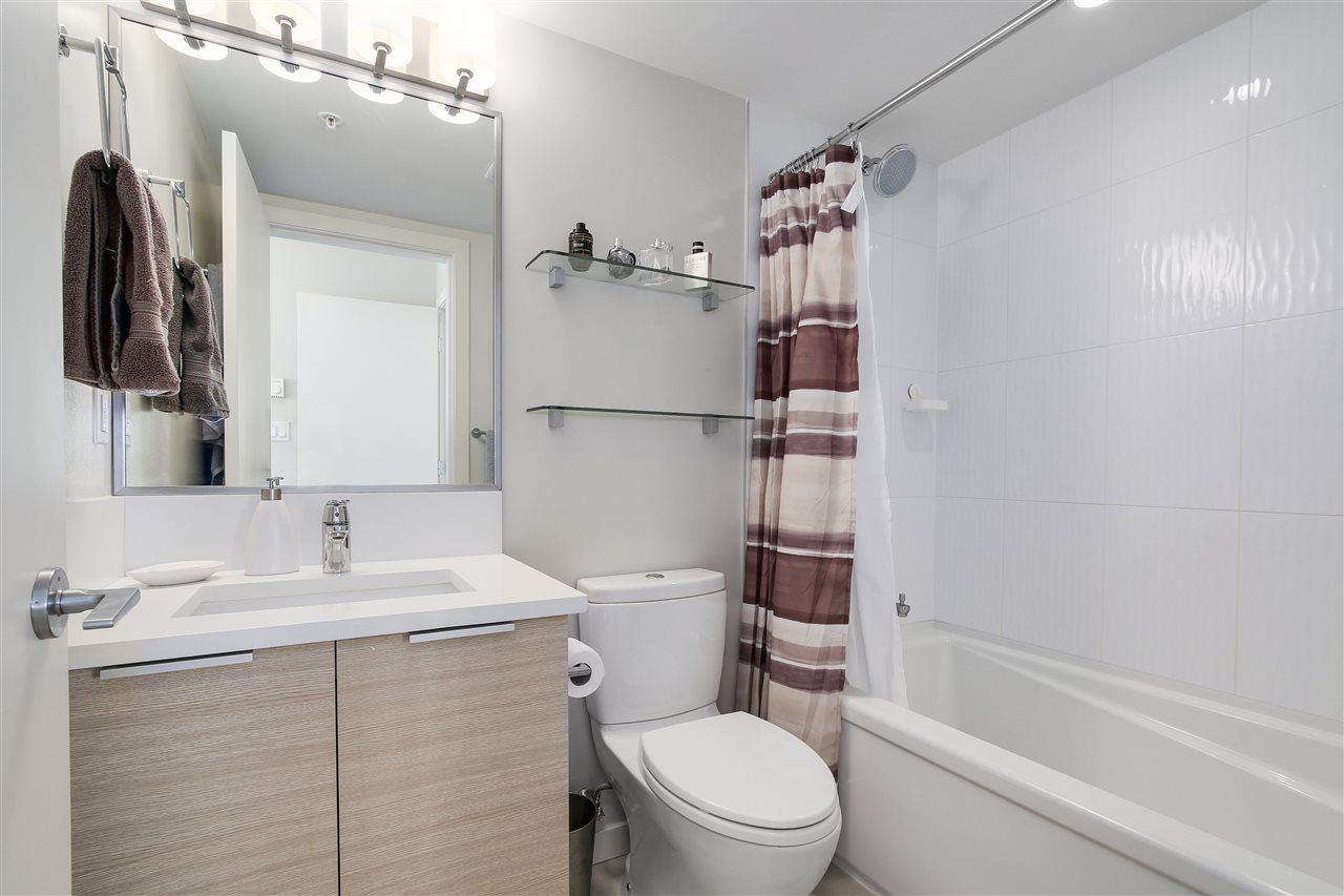 Condo Apartment at 605 13303 103A AVENUE, Unit 605, North Surrey, British Columbia. Image 11