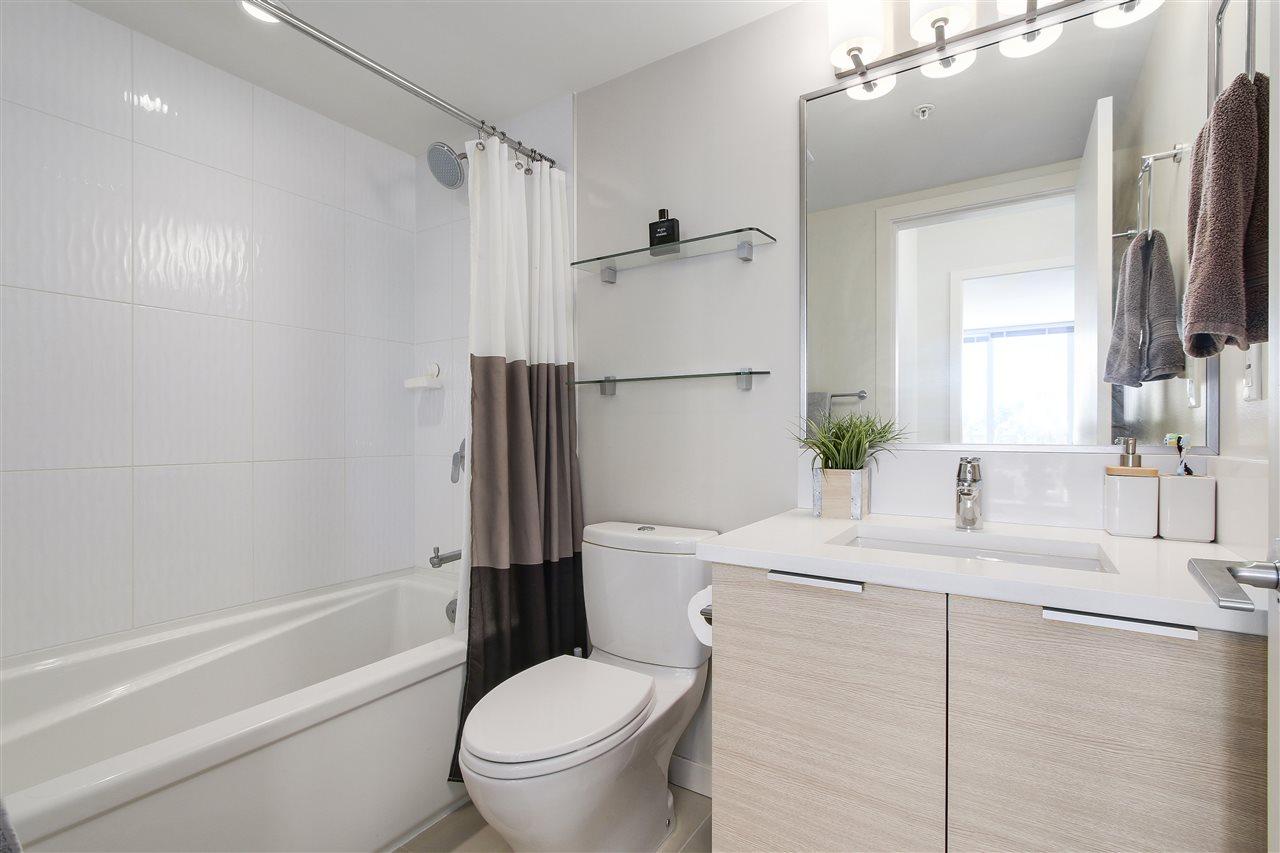 Condo Apartment at 605 13303 103A AVENUE, Unit 605, North Surrey, British Columbia. Image 13