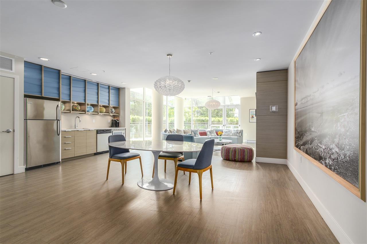 Condo Apartment at 605 13303 103A AVENUE, Unit 605, North Surrey, British Columbia. Image 18