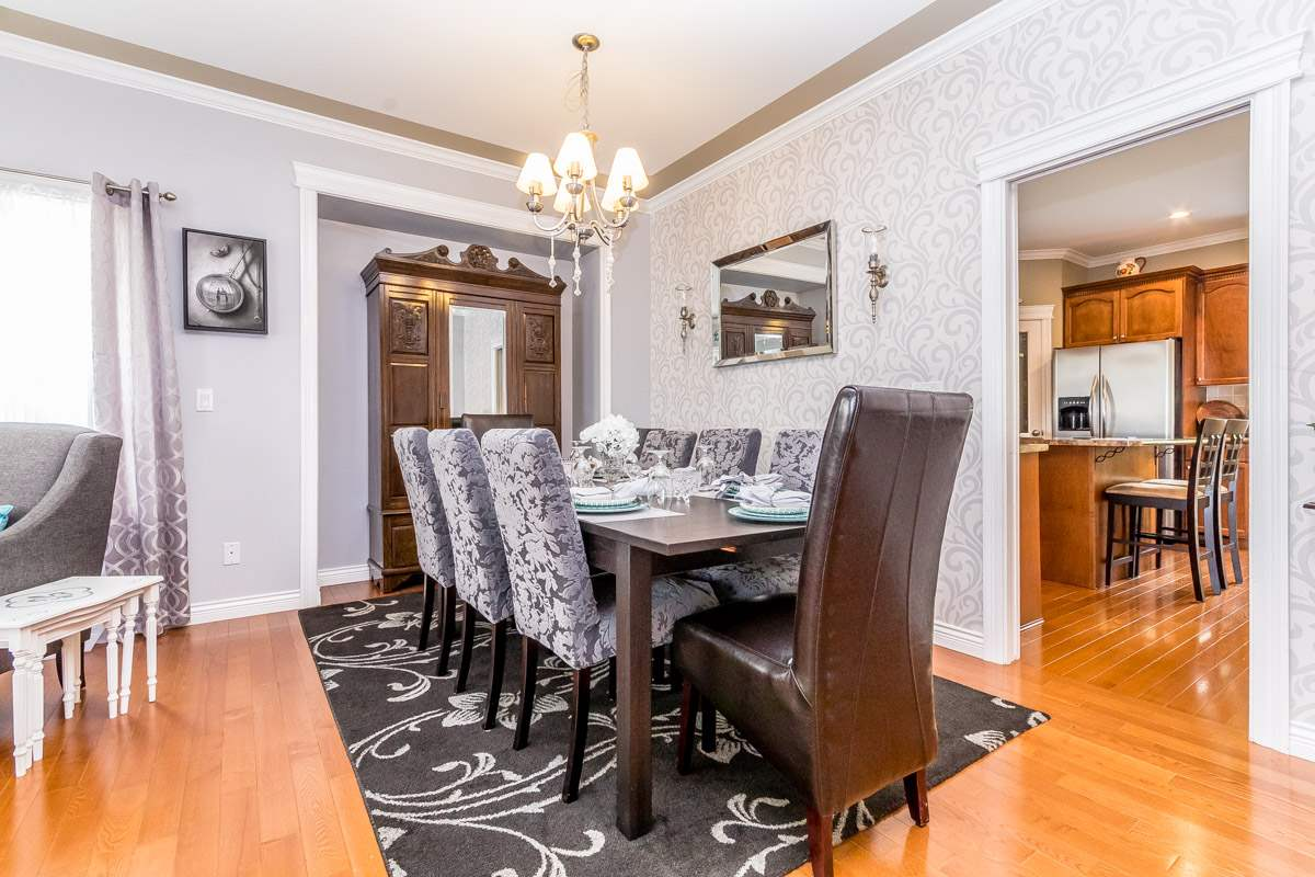 Detached at 33729 GREWALL CRESCENT, Mission, British Columbia. Image 8