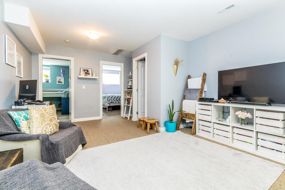 Detached at 33729 GREWALL CRESCENT, Mission, British Columbia. Image 16