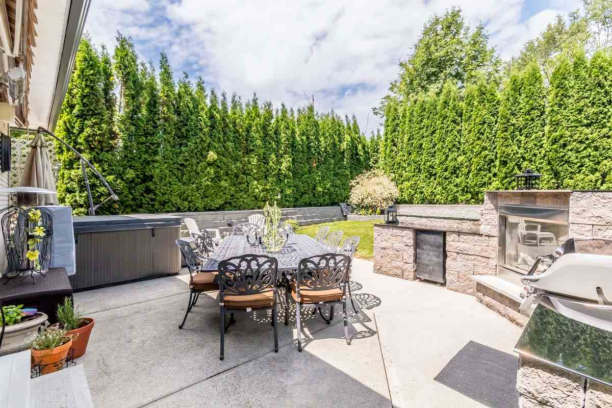 Detached at 33729 GREWALL CRESCENT, Mission, British Columbia. Image 18