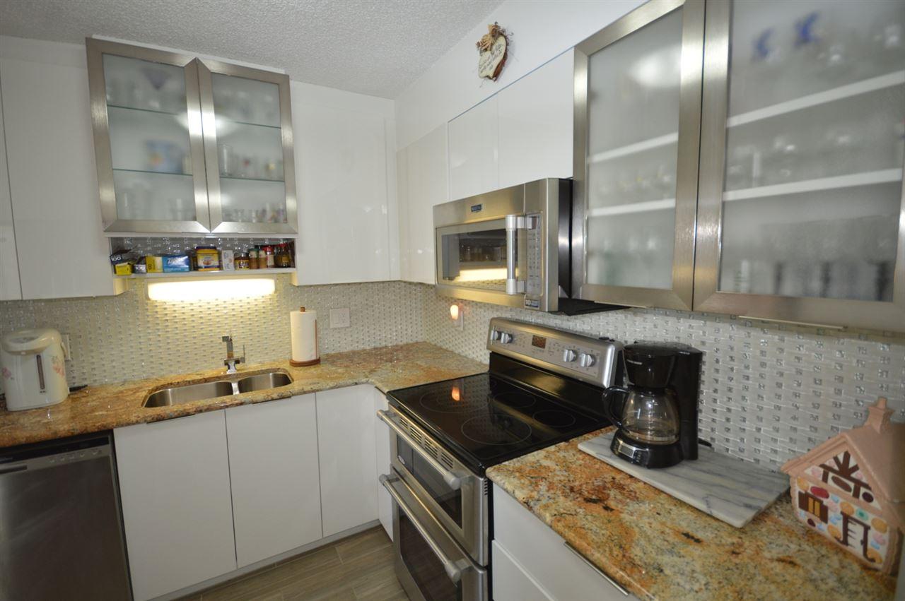Condo Apartment at 2205 4160 SARDIS STREET, Unit 2205, Burnaby South, British Columbia. Image 3