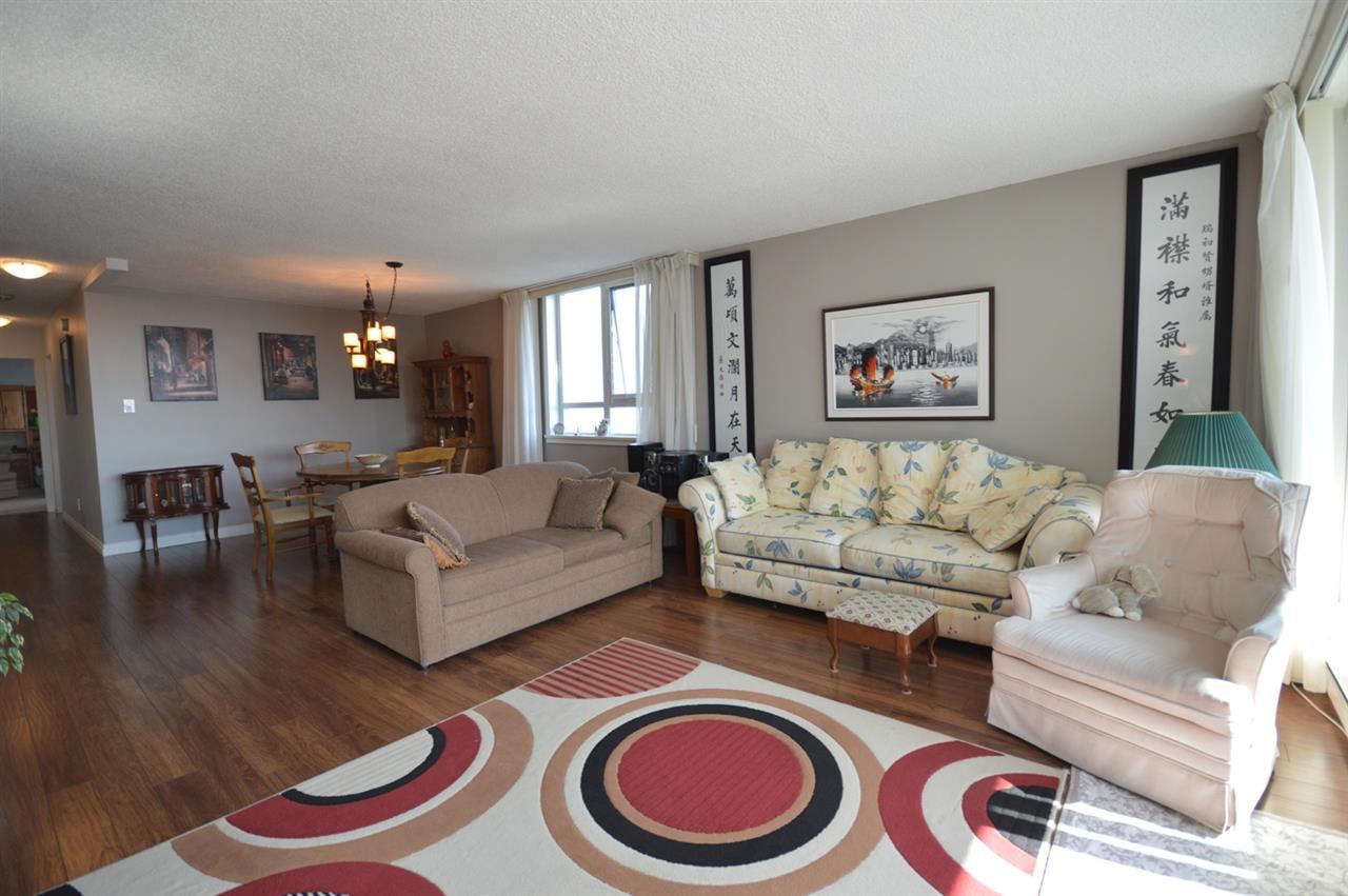 Condo Apartment at 2205 4160 SARDIS STREET, Unit 2205, Burnaby South, British Columbia. Image 6