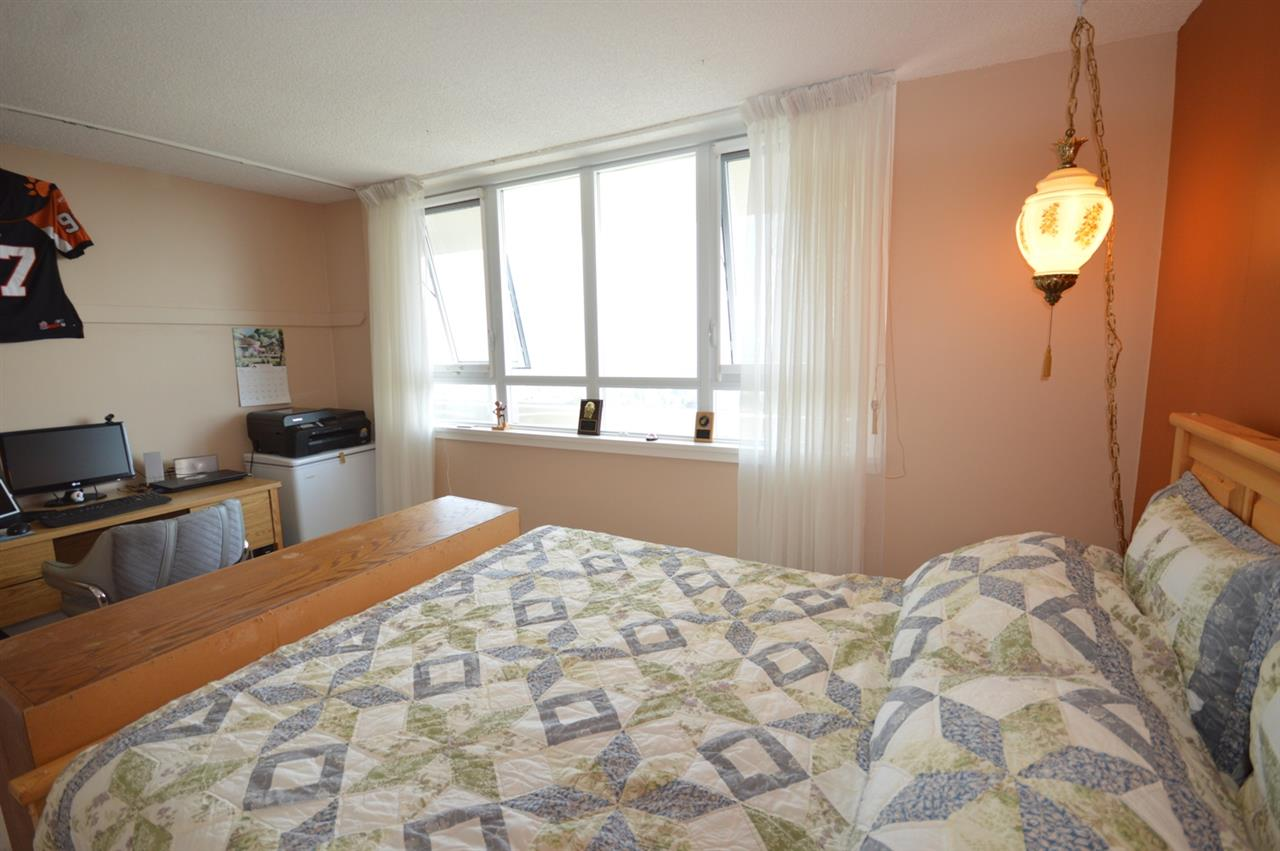 Condo Apartment at 2205 4160 SARDIS STREET, Unit 2205, Burnaby South, British Columbia. Image 14