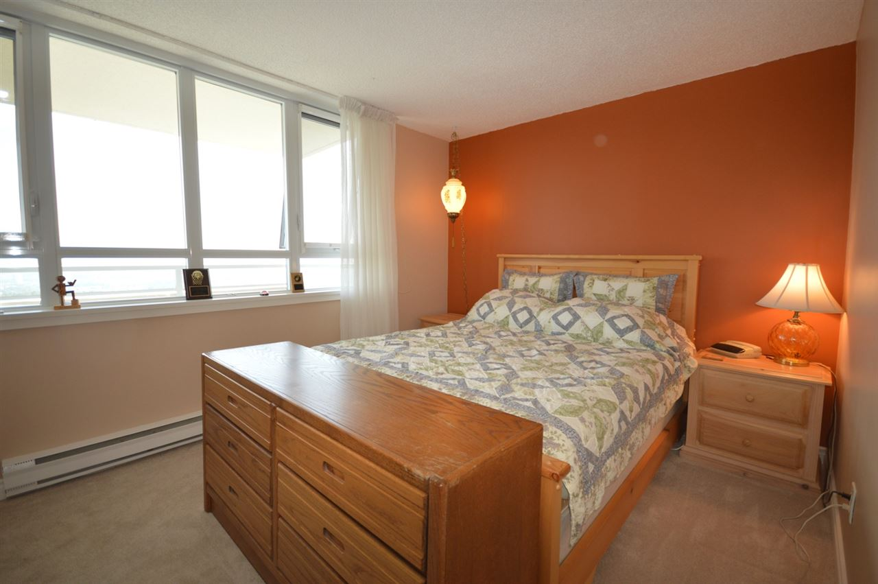 Condo Apartment at 2205 4160 SARDIS STREET, Unit 2205, Burnaby South, British Columbia. Image 15