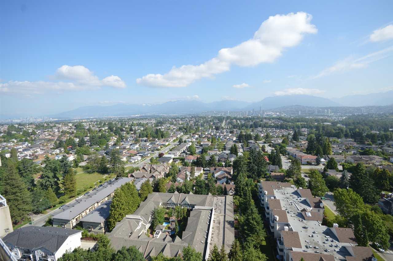Condo Apartment at 2205 4160 SARDIS STREET, Unit 2205, Burnaby South, British Columbia. Image 20