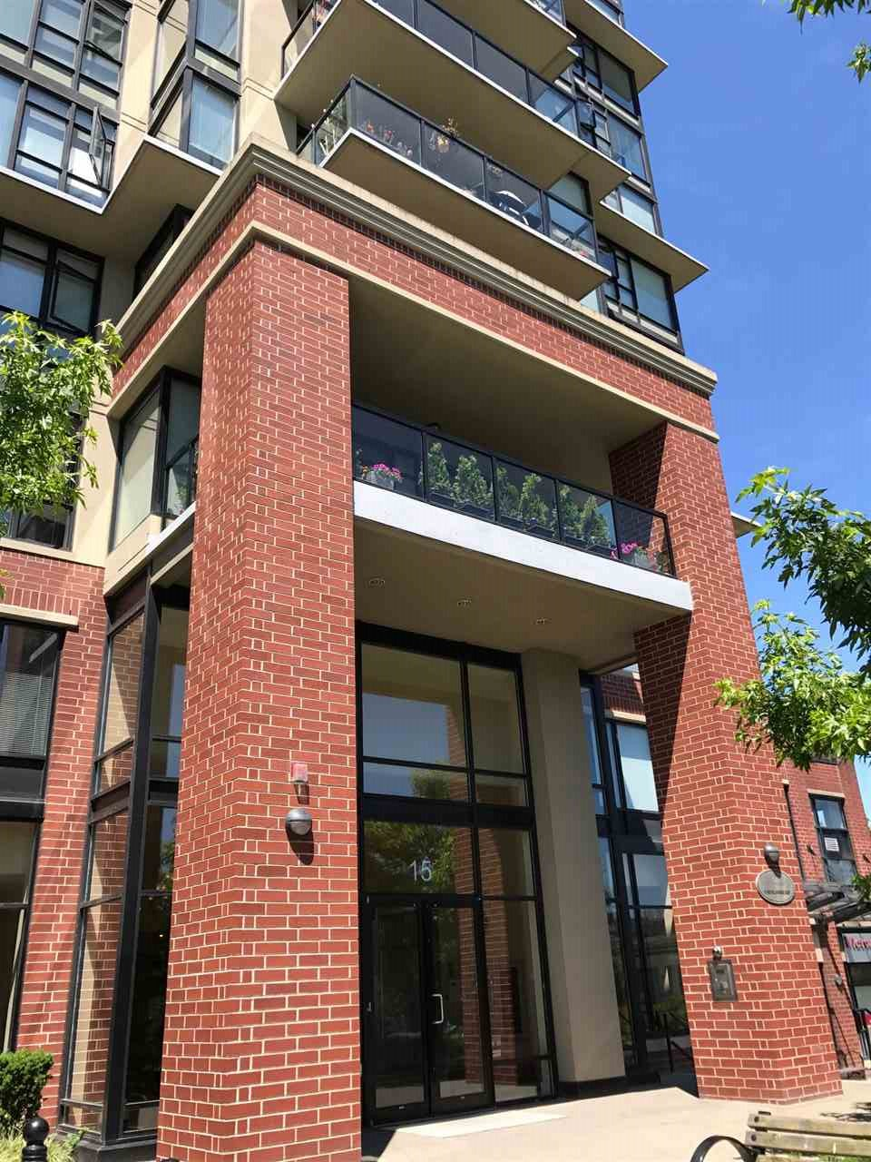 Condo Apartment at 802 15 E ROYAL AVENUE, Unit 802, New Westminster, British Columbia. Image 1