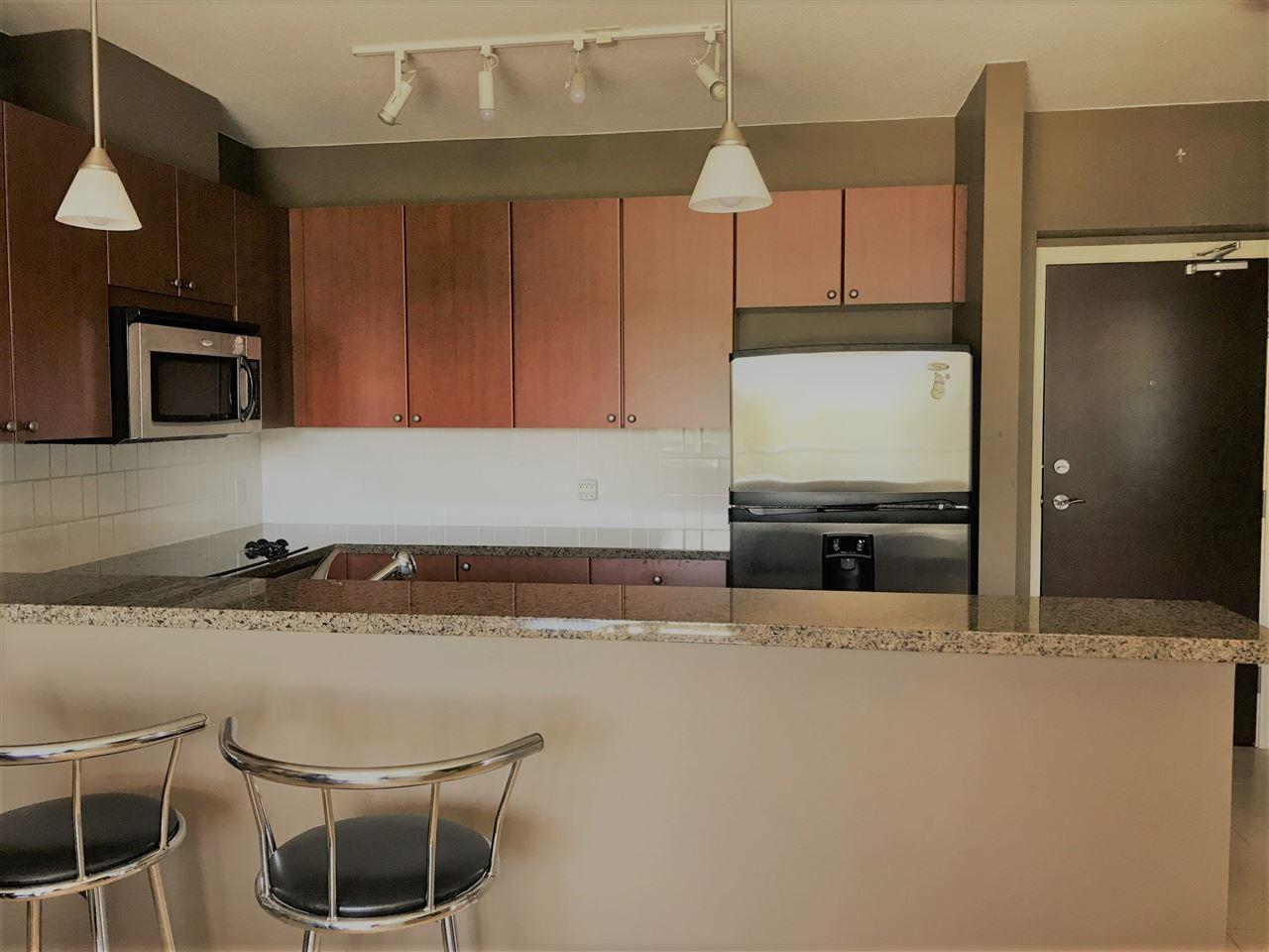 Condo Apartment at 802 15 E ROYAL AVENUE, Unit 802, New Westminster, British Columbia. Image 5