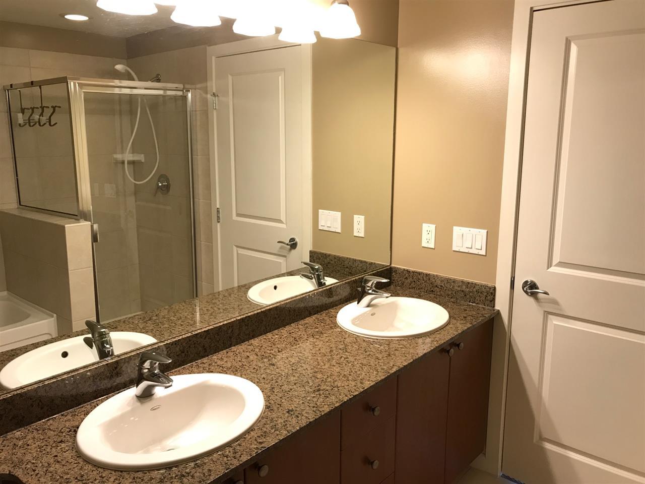 Condo Apartment at 802 15 E ROYAL AVENUE, Unit 802, New Westminster, British Columbia. Image 7