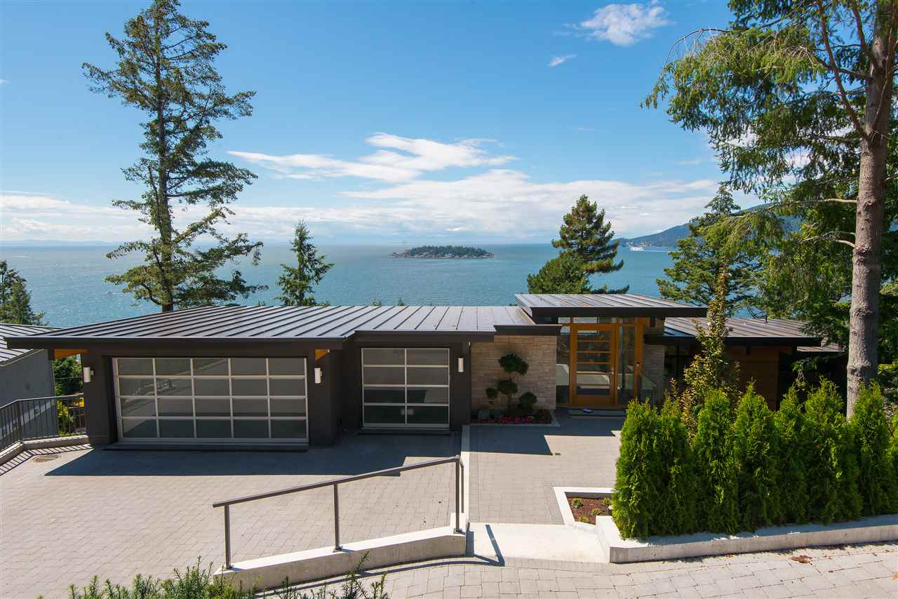 Detached at 5950 FALCON ROAD, West Vancouver, British Columbia. Image 1