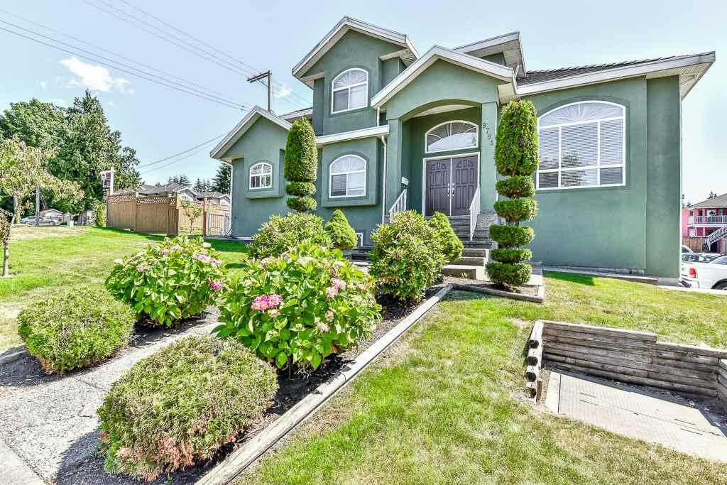 Detached at 9791 120 STREET, North Surrey, British Columbia. Image 2