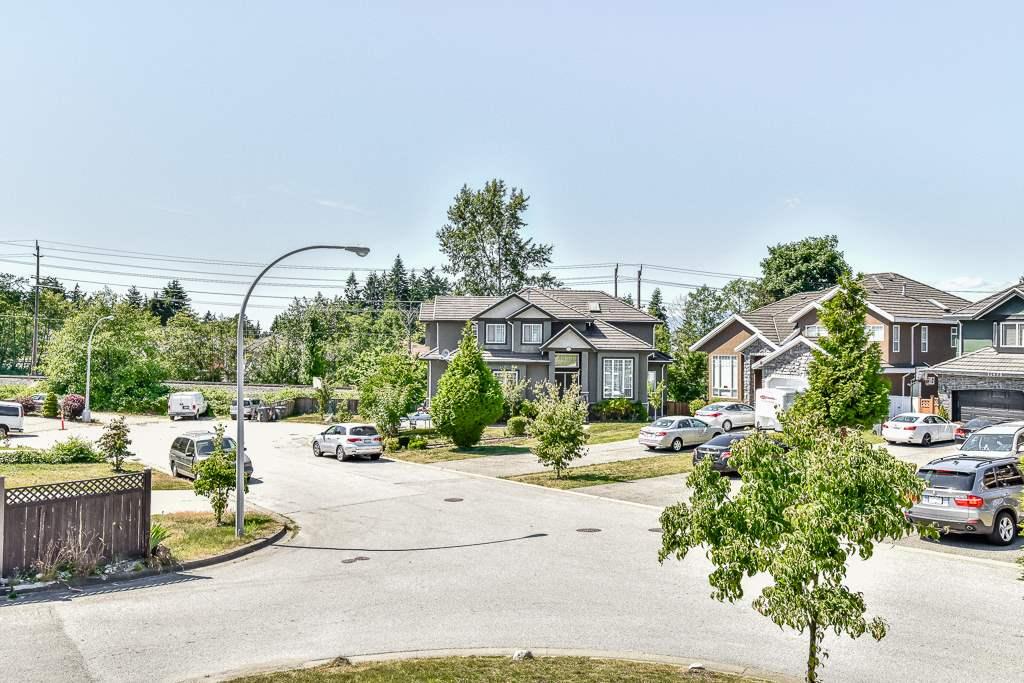 Detached at 9791 120 STREET, North Surrey, British Columbia. Image 3