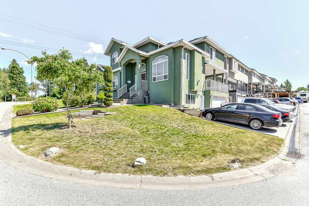 Detached at 9791 120 STREET, North Surrey, British Columbia. Image 4