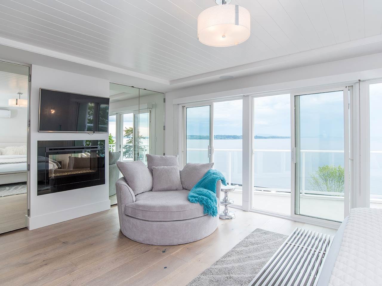 Detached at 15282 VICTORIA AVENUE, South Surrey White Rock, British Columbia. Image 12