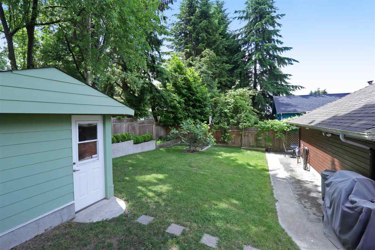 Detached at 1872 WESTVIEW DRIVE, North Vancouver, British Columbia. Image 17
