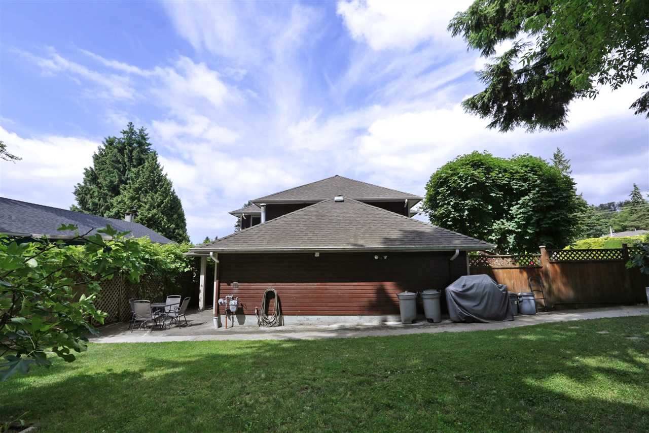 Detached at 1872 WESTVIEW DRIVE, North Vancouver, British Columbia. Image 18
