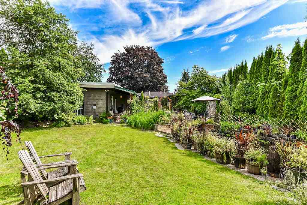 Detached at 17411 59 AVENUE, Cloverdale, British Columbia. Image 11