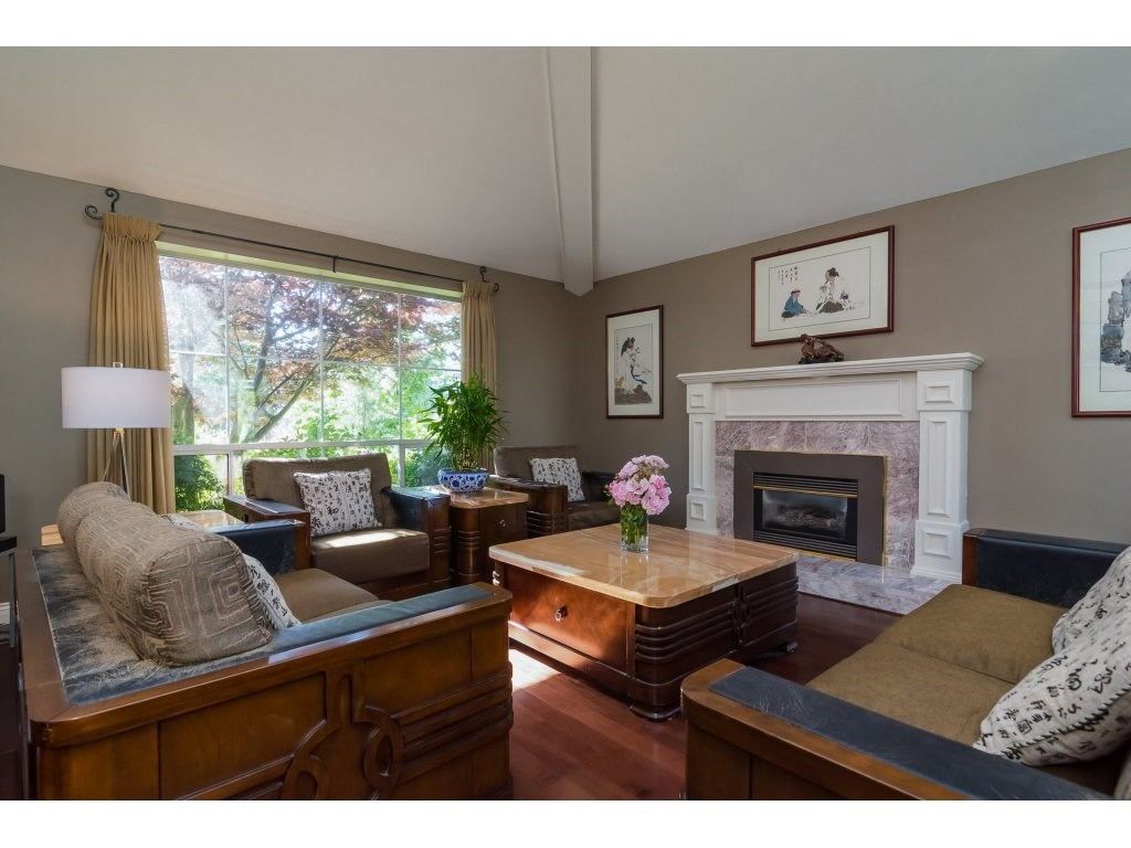 Detached at 2145 150A STREET, South Surrey White Rock, British Columbia. Image 3