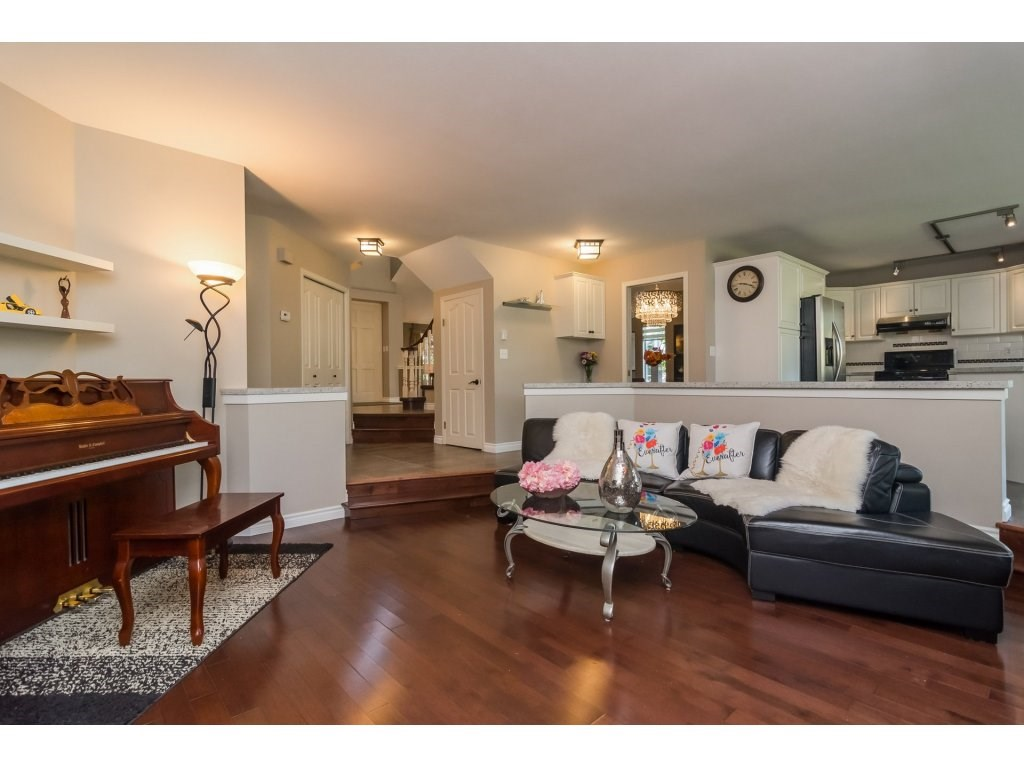 Detached at 2145 150A STREET, South Surrey White Rock, British Columbia. Image 7
