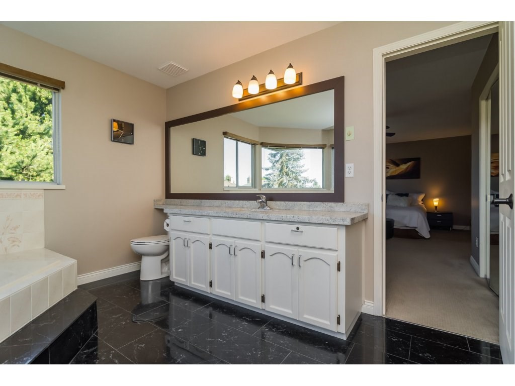Detached at 2145 150A STREET, South Surrey White Rock, British Columbia. Image 14