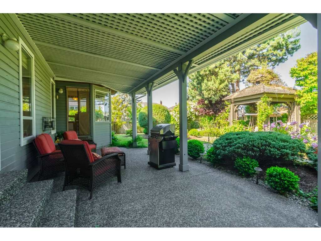 Detached at 2145 150A STREET, South Surrey White Rock, British Columbia. Image 18