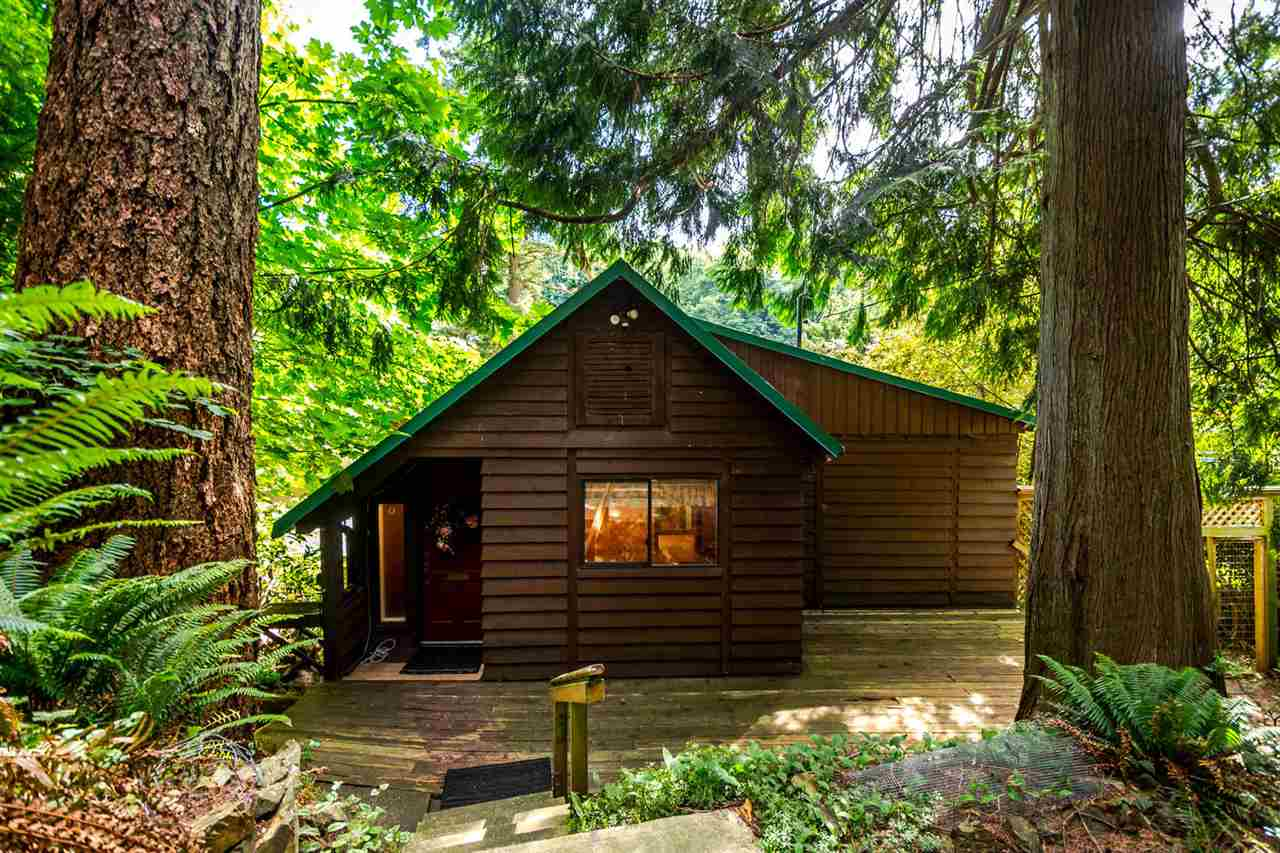 Detached at 473 MELMORE ROAD, Bowen Island, British Columbia. Image 2