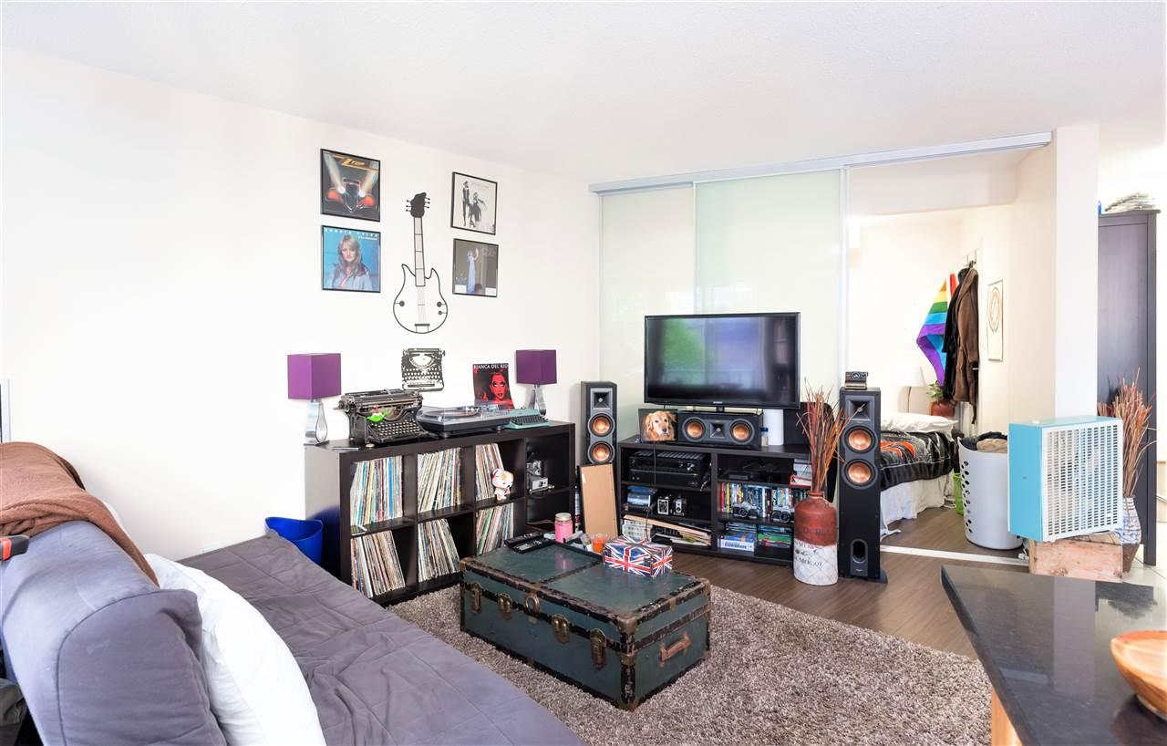 Condo Apartment at 202 1199 SEYMOUR STREET, Unit 202, Vancouver West, British Columbia. Image 3