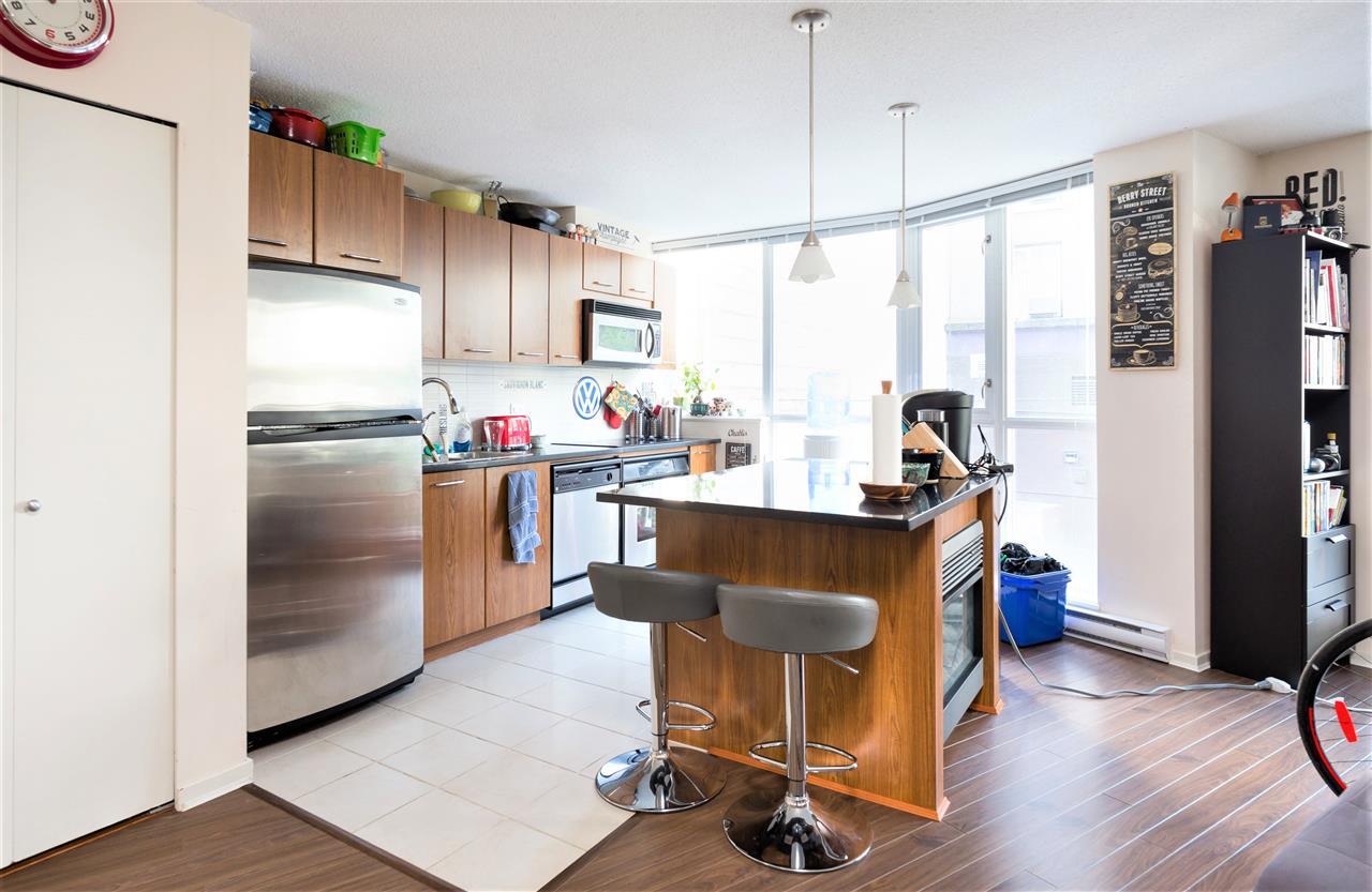 Condo Apartment at 202 1199 SEYMOUR STREET, Unit 202, Vancouver West, British Columbia. Image 5