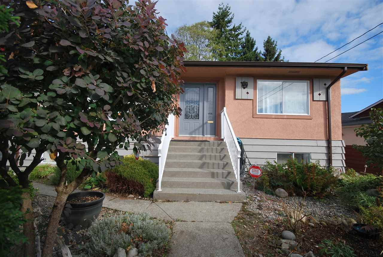 Detached at 5691 RUMBLE STREET, Burnaby South, British Columbia. Image 2