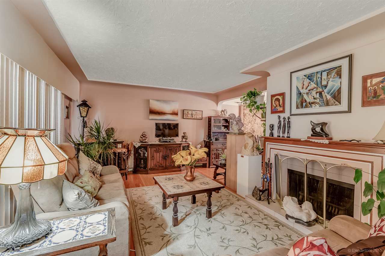 Detached at 5691 RUMBLE STREET, Burnaby South, British Columbia. Image 3